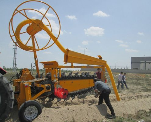 pipe laying device 48C40 PIPE LAYING APPARATUS Trenching Machines trencher machine pipe laying 9 495x400