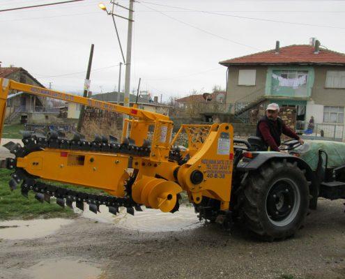 trenching machine Trenching Machines – 40B38 trenchindmachines 40B38 2 495x400