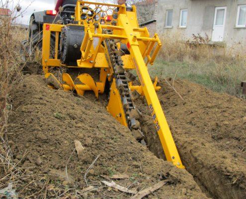 trenching machine Trenching Machines – 40B38 trenchindmachines 40B38 6 495x400