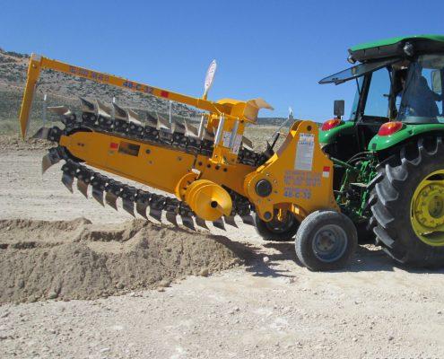 trenching machine Trenching Machines – 48C32 trenchingmachines 48C32 13 495x400