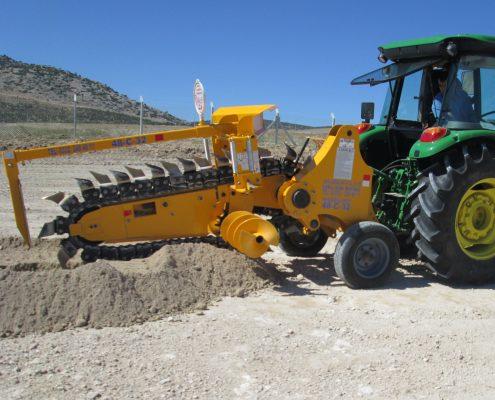 trenching machine Trenching Machines – 48C32 trenchingmachines 48C32 14 495x400