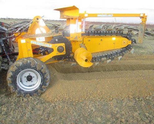 trenching machine Trenching Machines – 48C32 trenchingmachines 48C32 21 495x400